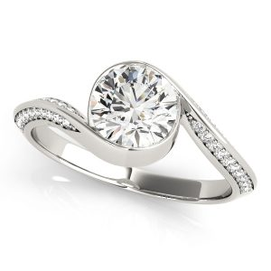 Brilliant Cut Diamond Engagement Ring Front